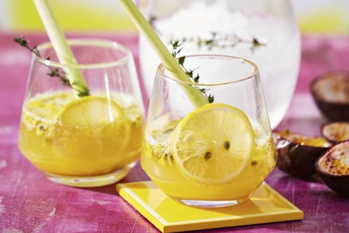 passionfruit-lemongrass-thyme-spritz