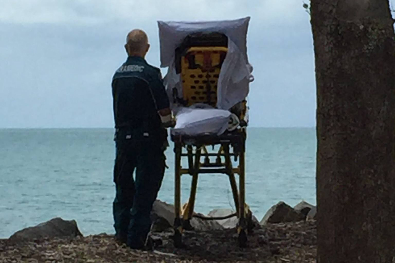 Ambulance crew gives terminally ill patient a side trip to the beach