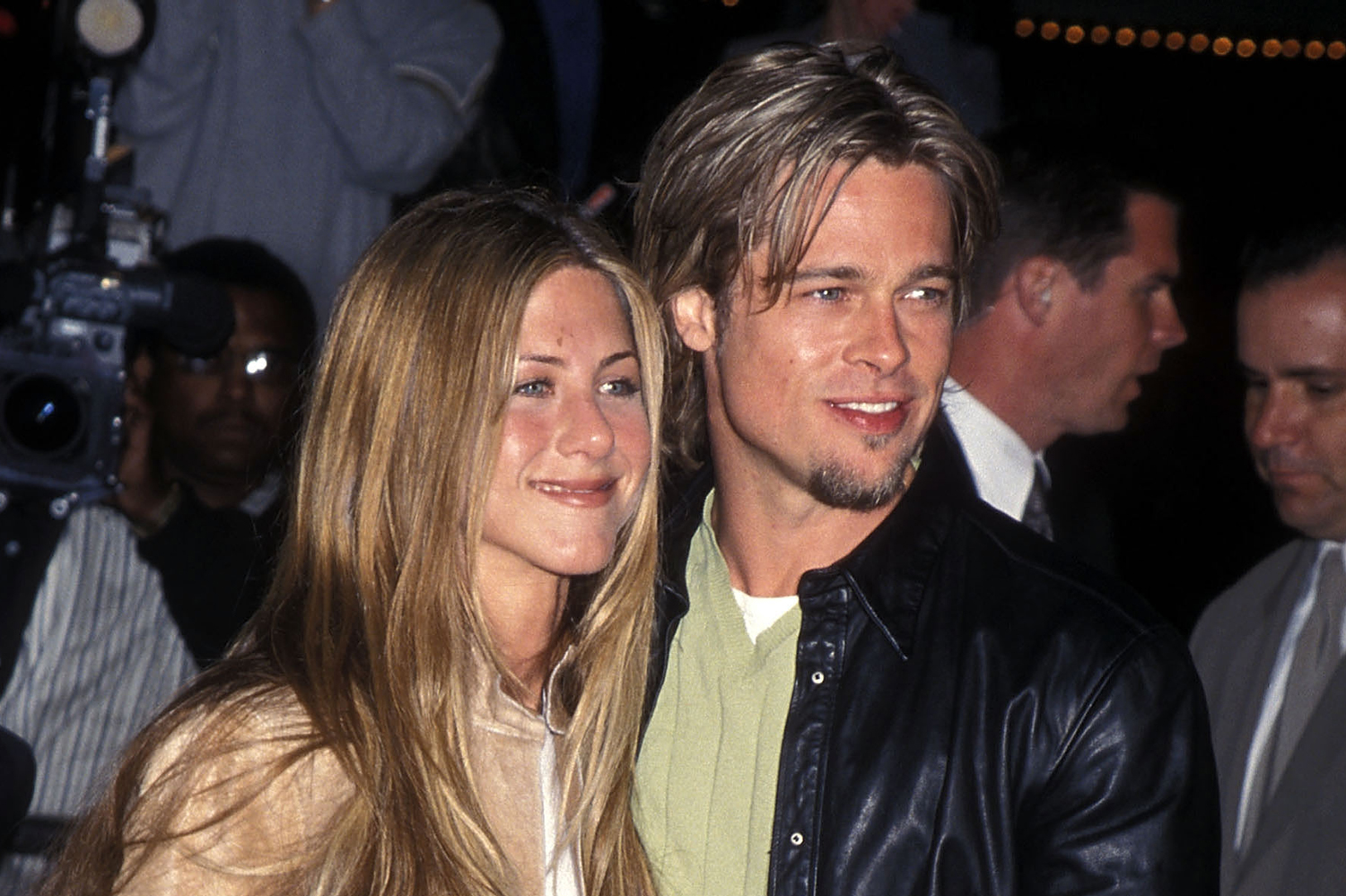 Who is jennifer aniston currently hookup