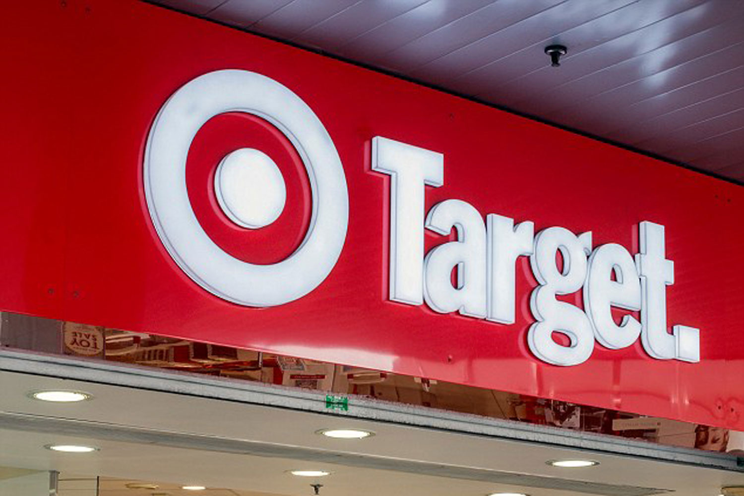target australia to close dozens of stores new idea magazine