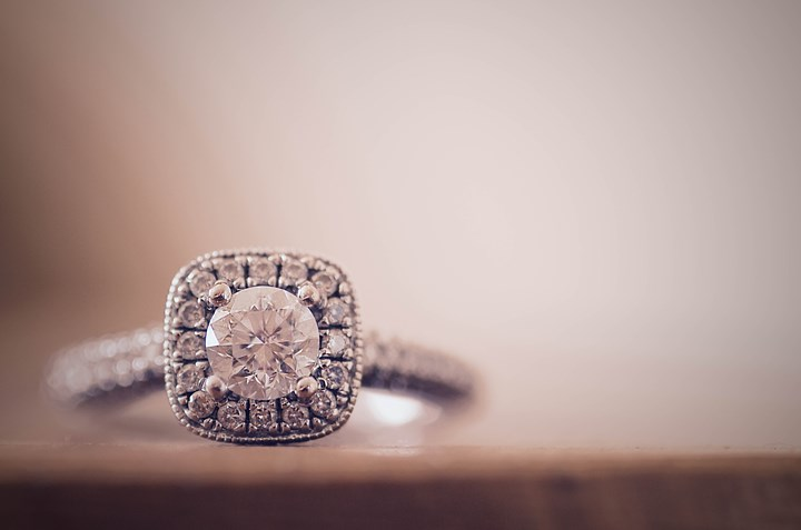 How Much To Spend On Engagement Ring Average Cost New