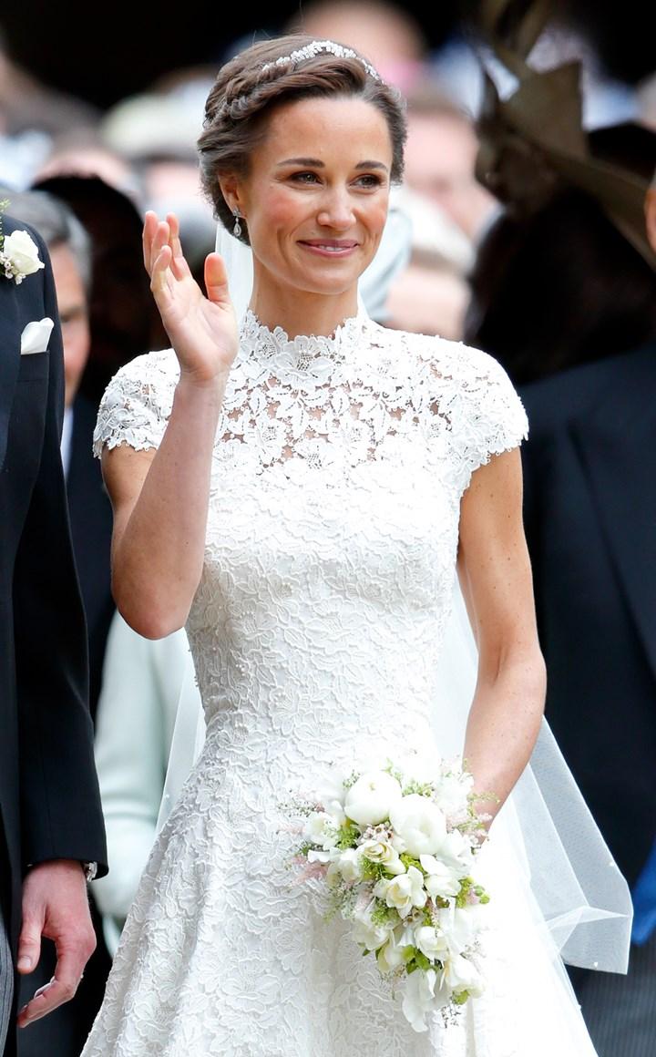 Pippa Wedding Dress.Pippa Middleton S Wedding Dress Cost Designer Public Reaction
