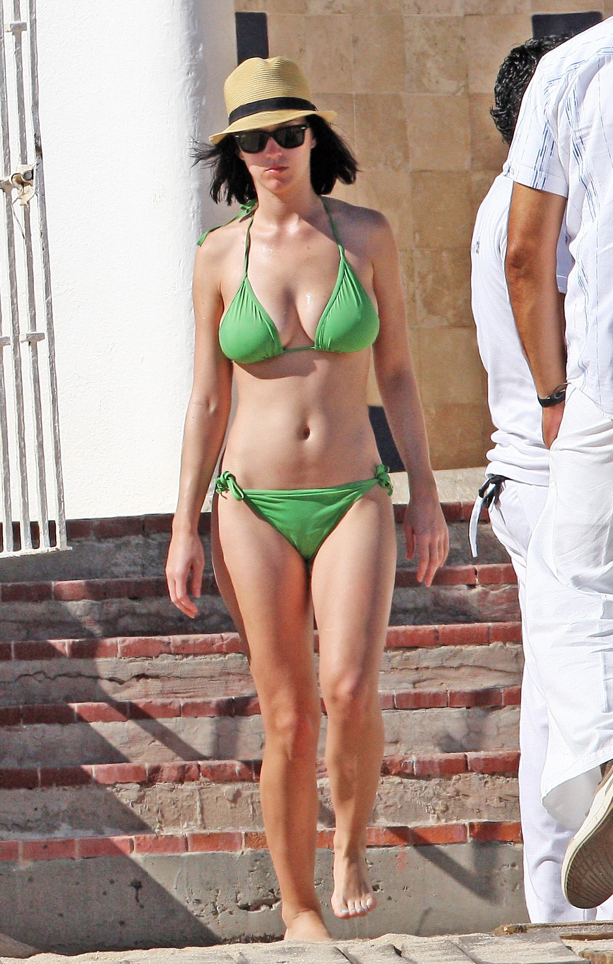 Katy Perry Nude Look: Singer Tones It Down In Sexy But