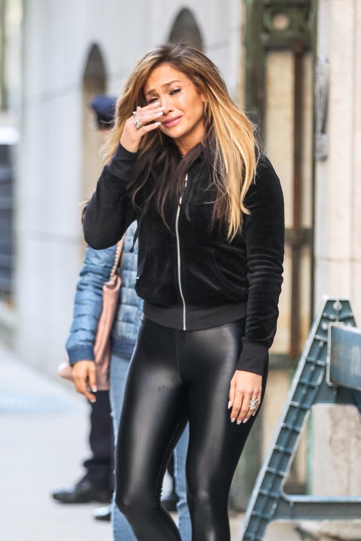 J-Lo breaks down on set of new film