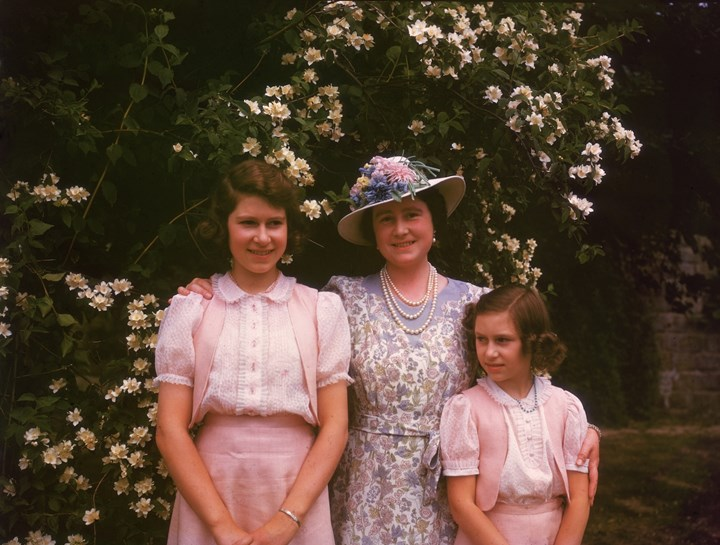 Queen Elizabeth (left) with her mother Elizabeth Bowes-Lyon and sister Princess Margaret in 1941
