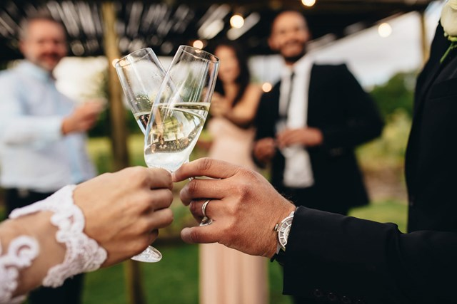 The Best Wedding Toasts Ever And How to Write One | New Idea