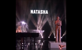 The Knockouts: Natasha Stuart performs 'Everybody Hurts' on The Voice