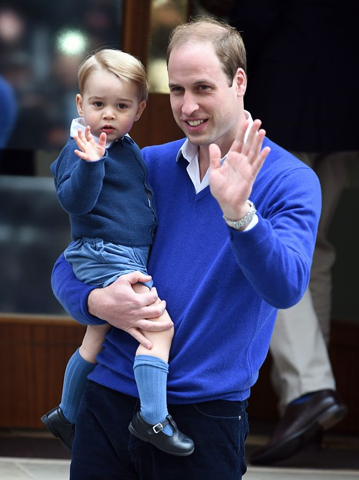 Prince William could abdicate throne to son George