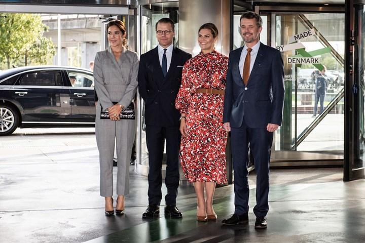 Princess Mary looks great in daring pantsuit