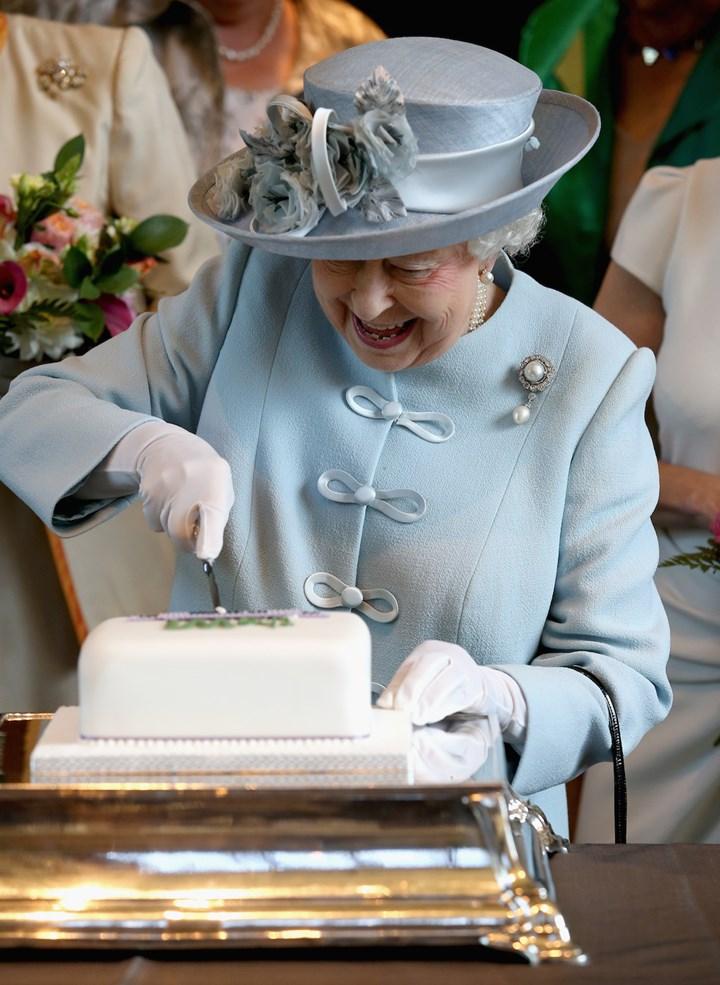 The Queen's bizarre eating habits exposed