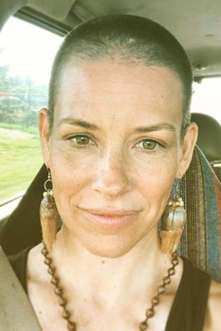 Evangeline Lilly just shaved her hair off