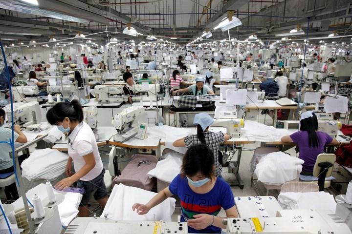 Bebida plan de estudios electrodo  Nike Sweatshops: The Truth About the Nike Factory Scandal | New Idea  Magazine