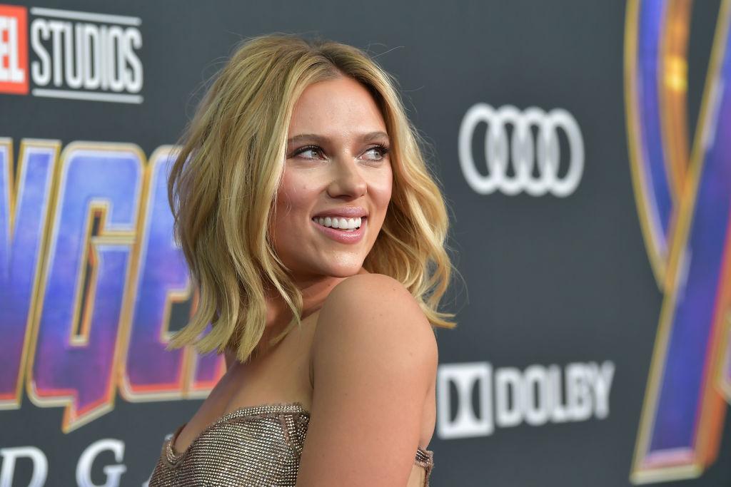 Scarlett Johansson Short Hair: 15 Pics to Show Your Hairdresser