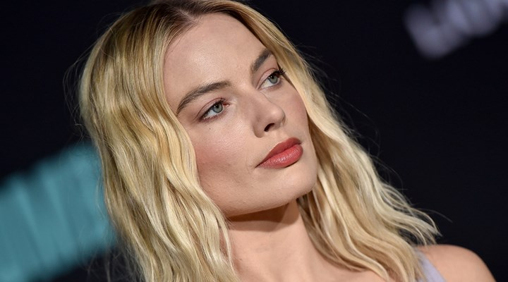 Margot Robbie has revealed she has a secret Twitter account