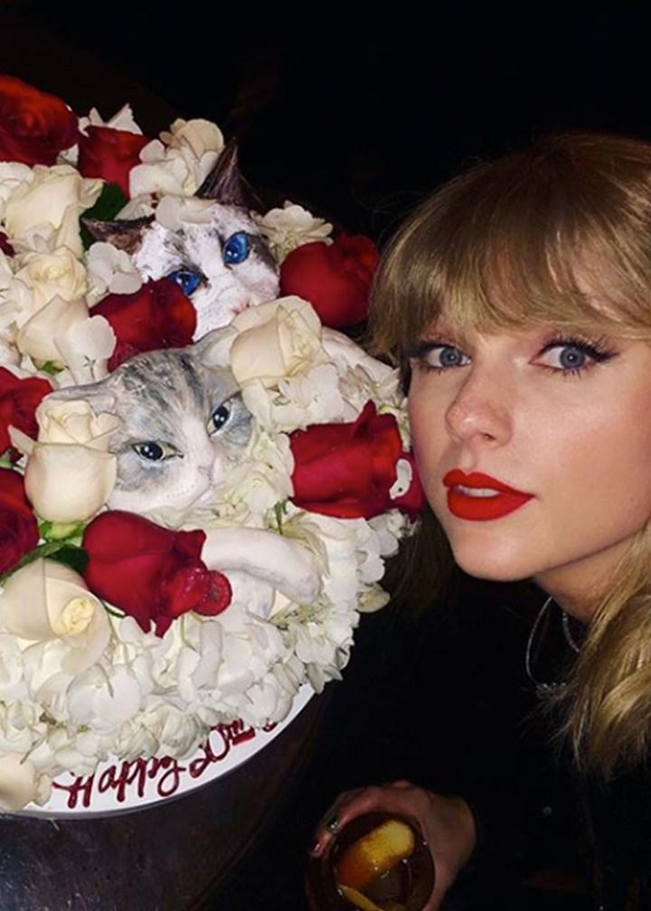 Superb Taylor Swifts 30Th Birthday Cake Leaves Fans Terrified New Funny Birthday Cards Online Elaedamsfinfo