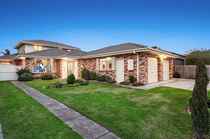 See inside the Kath & Kim house before it's destroyed