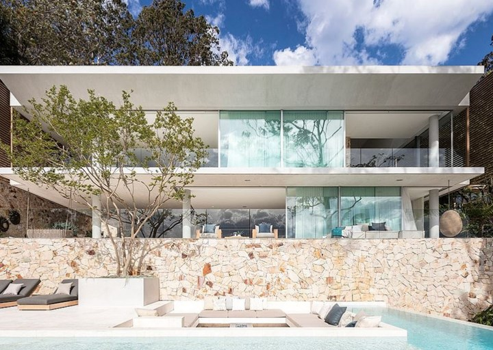 Take a look inside Jennifer Hawkins $20 million trophy home that is on the market